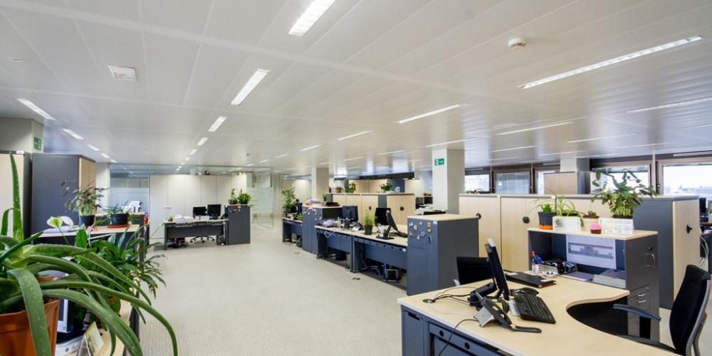 Reforma de edificio de oficinas del inss madrid for Oficinas de la seguridad social en madrid